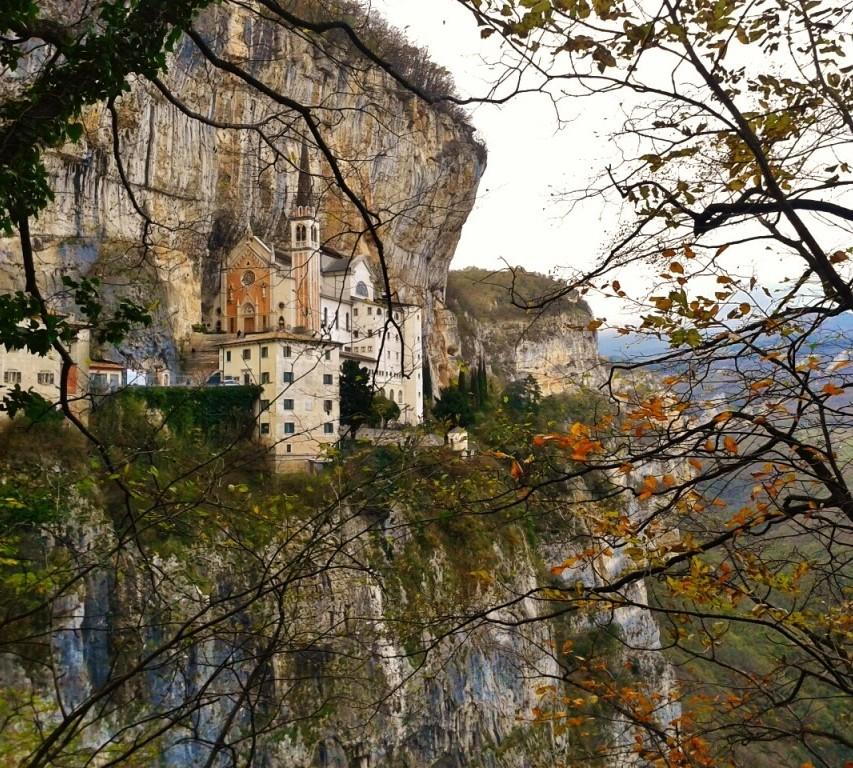 Ca del lago blog sanctuary of madonna della corona for Santuario madonna della corona