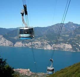 Malcesine cableway: a flight to Monte Baldo