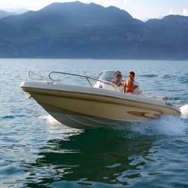 Sailing over Lake Garda